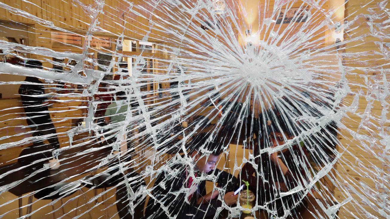 Photo of حول حادثة اقتحام مقاهي في العاصمة طرابلس