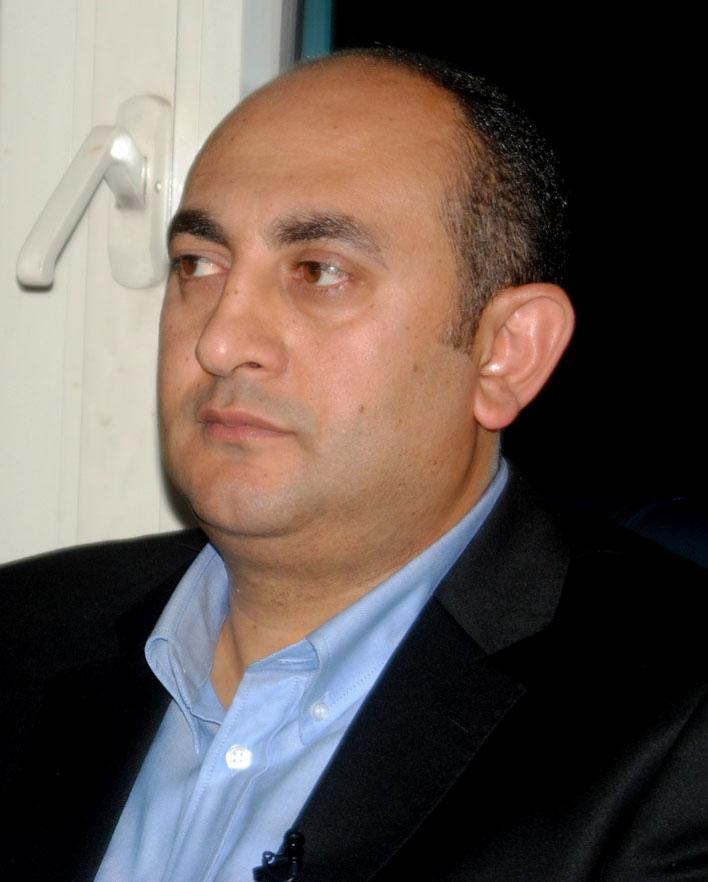 بقلم خالد علي